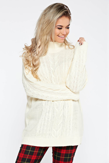 Cream casual flared sweater from thick fabric