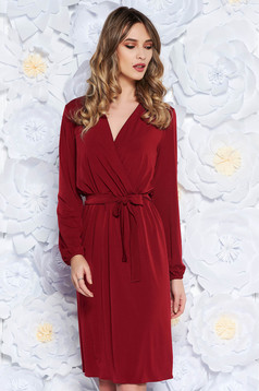 StarShinerS red elegant dress soft fabric with elastic waist accessorized with tied waistband