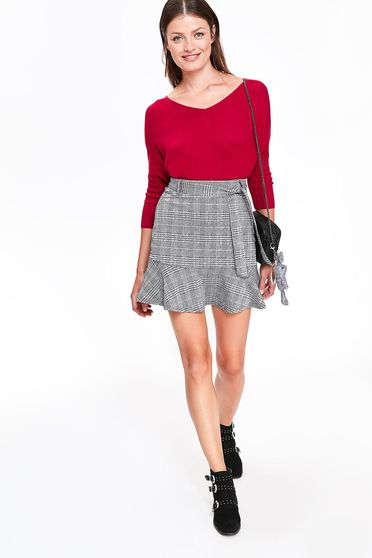 Top Secret grey casual skirt slightly elastic fabric plaid fabric with ruffle details accessorized with tied waistband