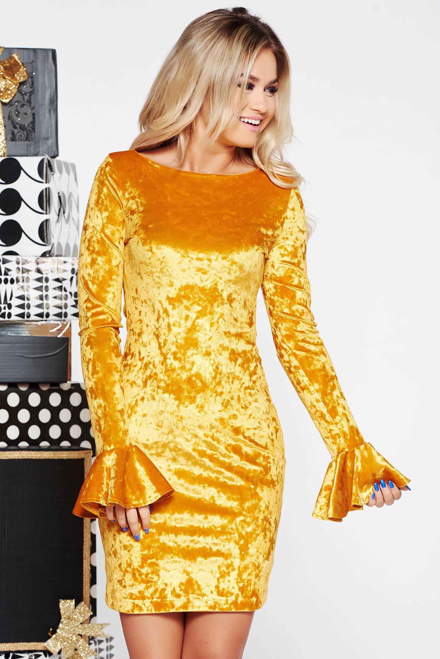 StarShinerS yellow occasional velvet dress with ruffled sleeves with tented cut