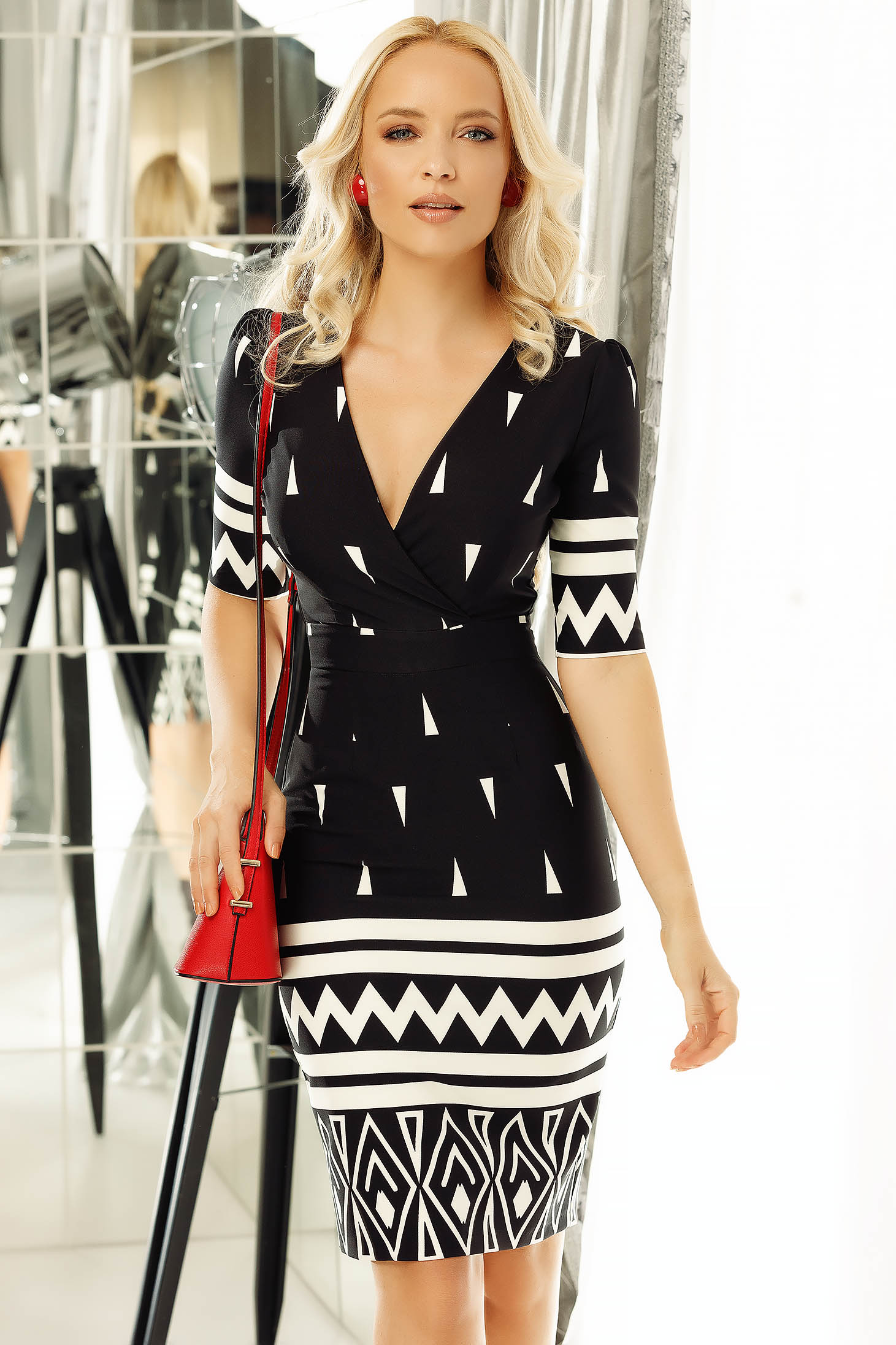 Fofy black office pencil dress slightly elastic fabric with geometrical print