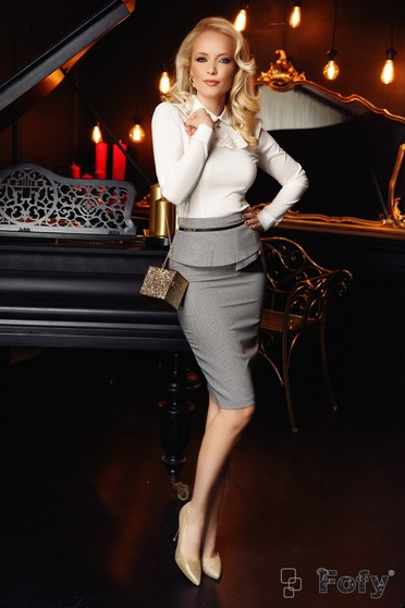 Fofy grey office pencil skirt from non elastic fabric with ruffle details