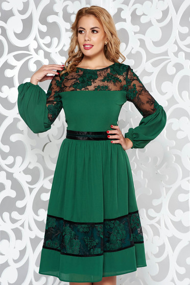 LaDonna green occasional cloche dress from veil fabric with inside lining from laced fabric embroidered