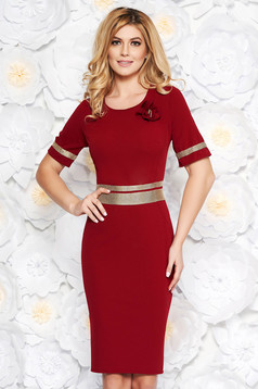 Burgundy elegant dress with tented cut slightly elastic fabric with bright details