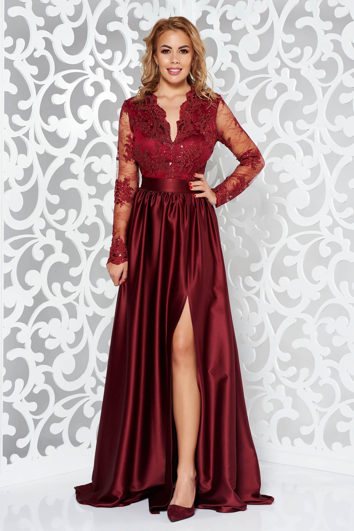 ab8911a5cf Burgundy Artista alkalmi ruha szatén anyagból szivacsos mellrész csipkés  anyag v-dekoltázzsal