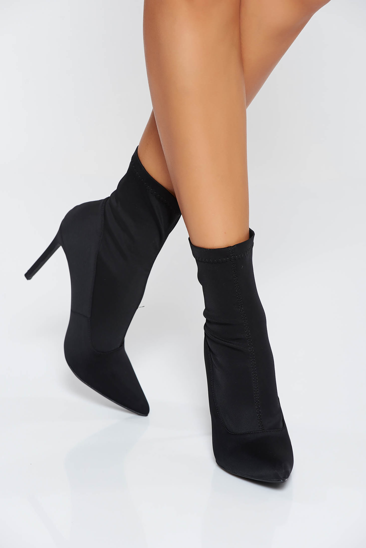 Black casual ankle boots with high