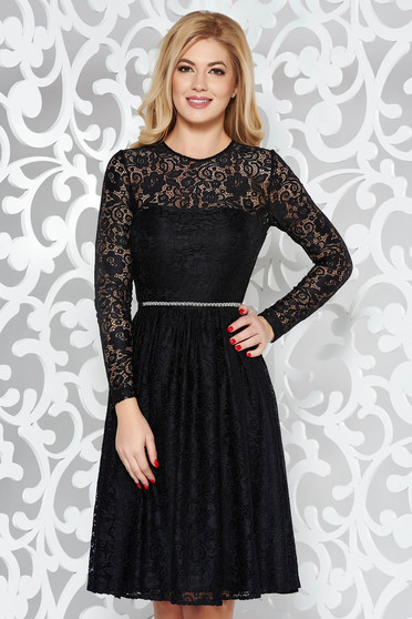 StarShinerS black occasional cloche dress with inside lining from laced fabric accessorized with tied waistband