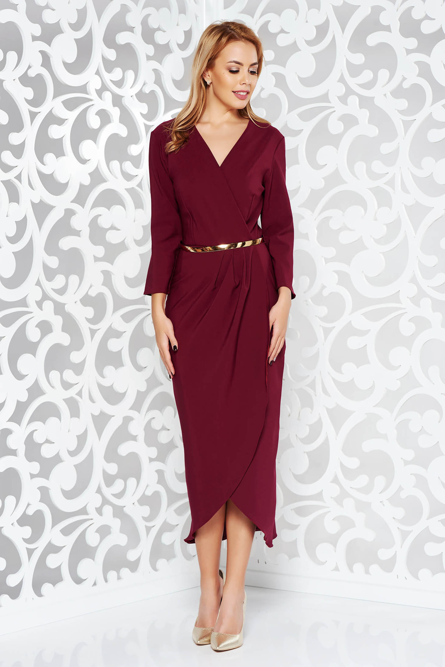 Rochie visinie eleganta din stofa subtire usor elastica captusita pe interior cu accesoriu tip curea