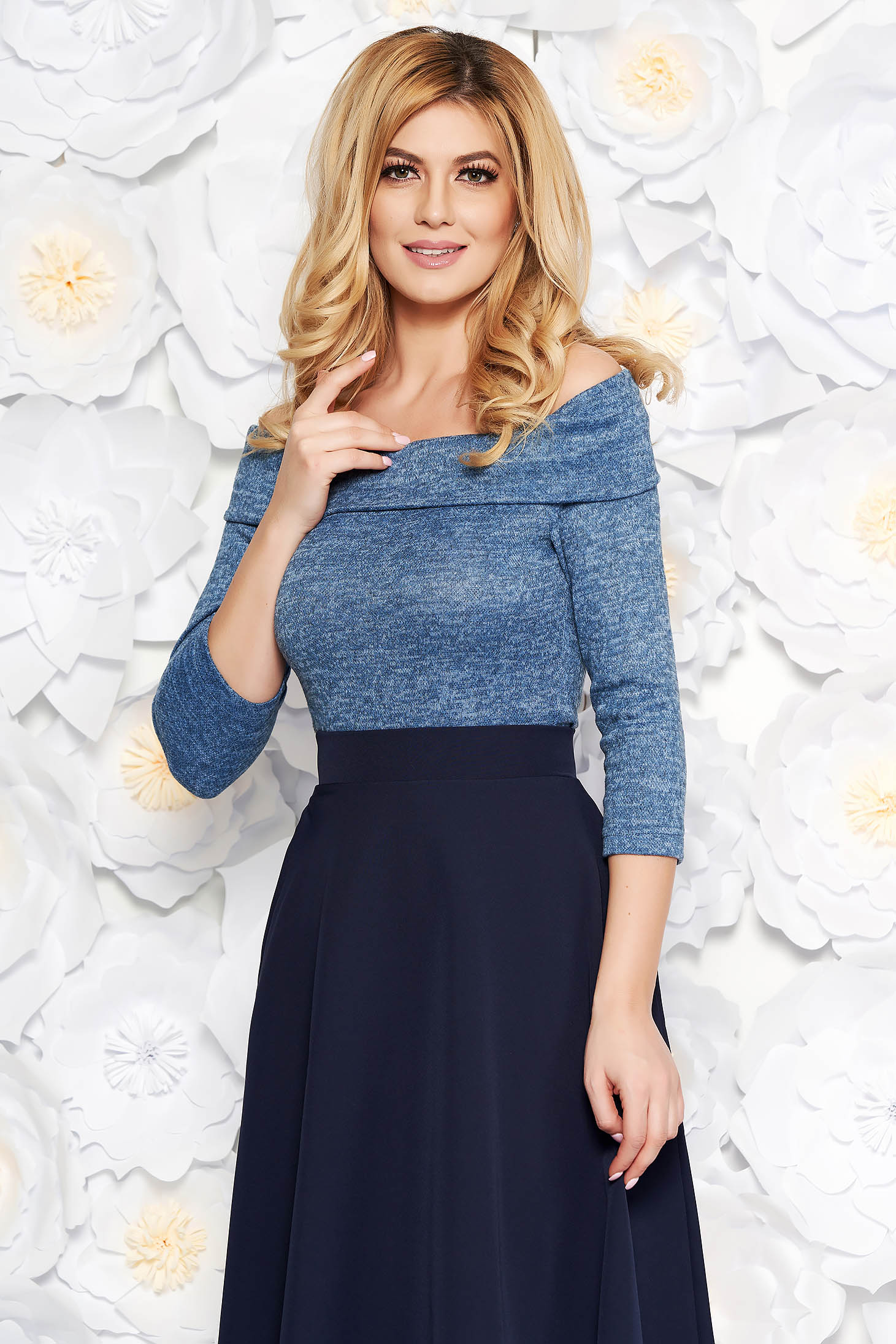 StarShinerS blue sweater knitted fabric with tented cut on the shoulders with 3/4 sleeves