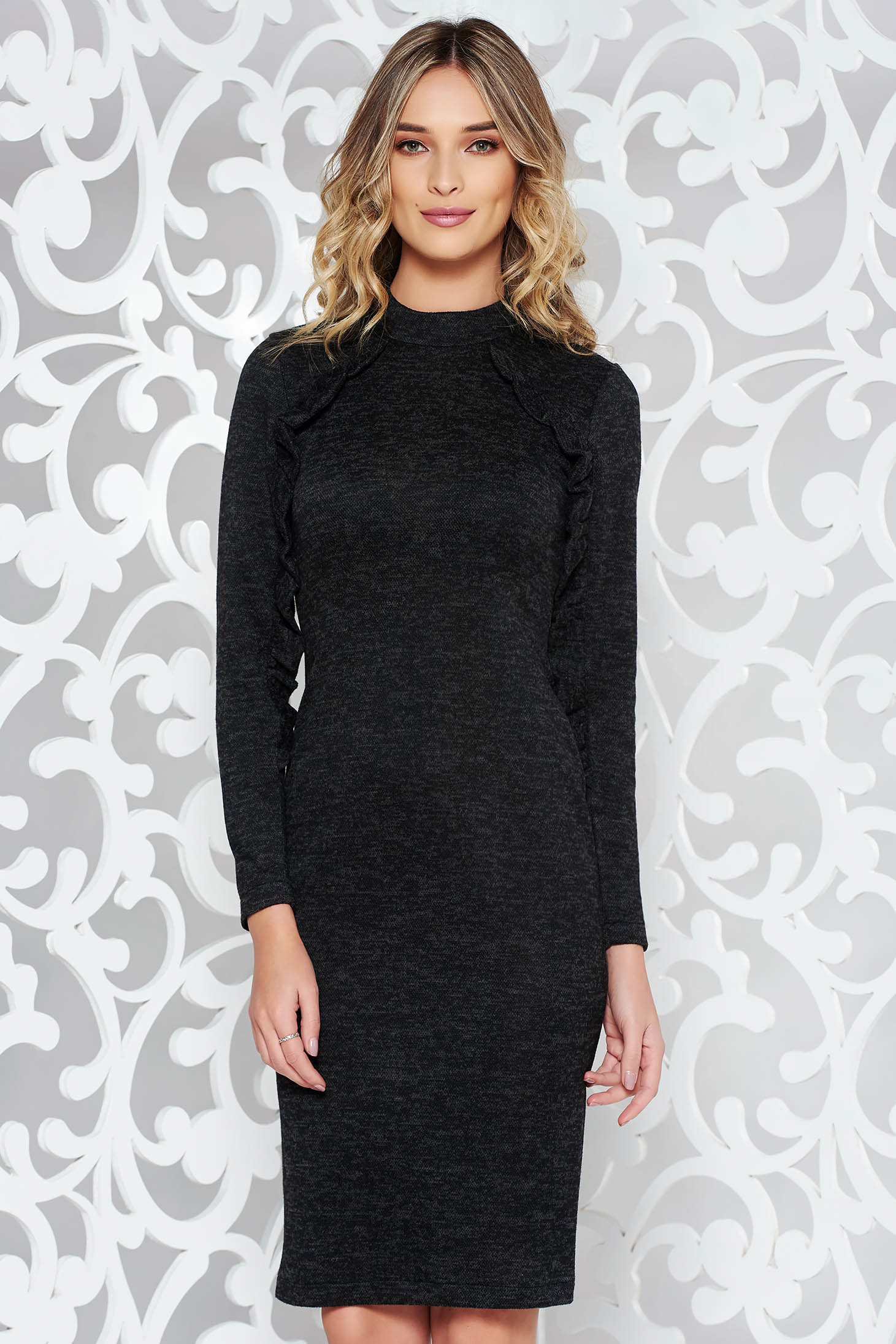 StarShinerS black daily dress with tented cut knitted fabric with ruffle details