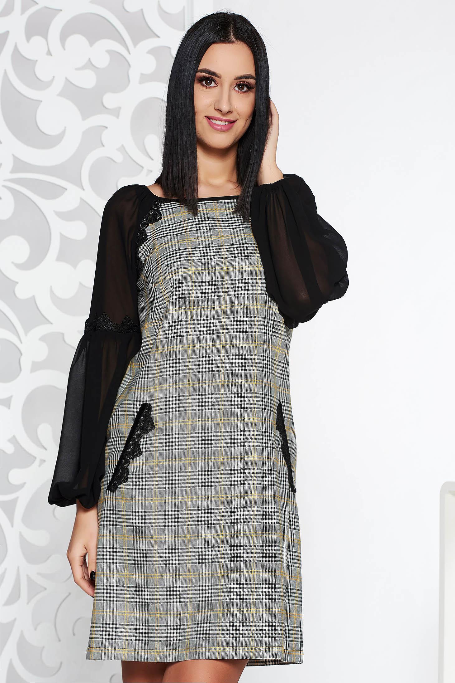 Fekete LaDonna elegáns ruha rugalmatlan szövet belső béléssel egyenes  szabás csipke díszítéssel 580d1afe43