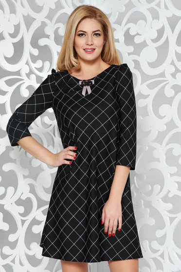 Black dress office flared slightly elastic fabric with inside lining accessorized with breastpin
