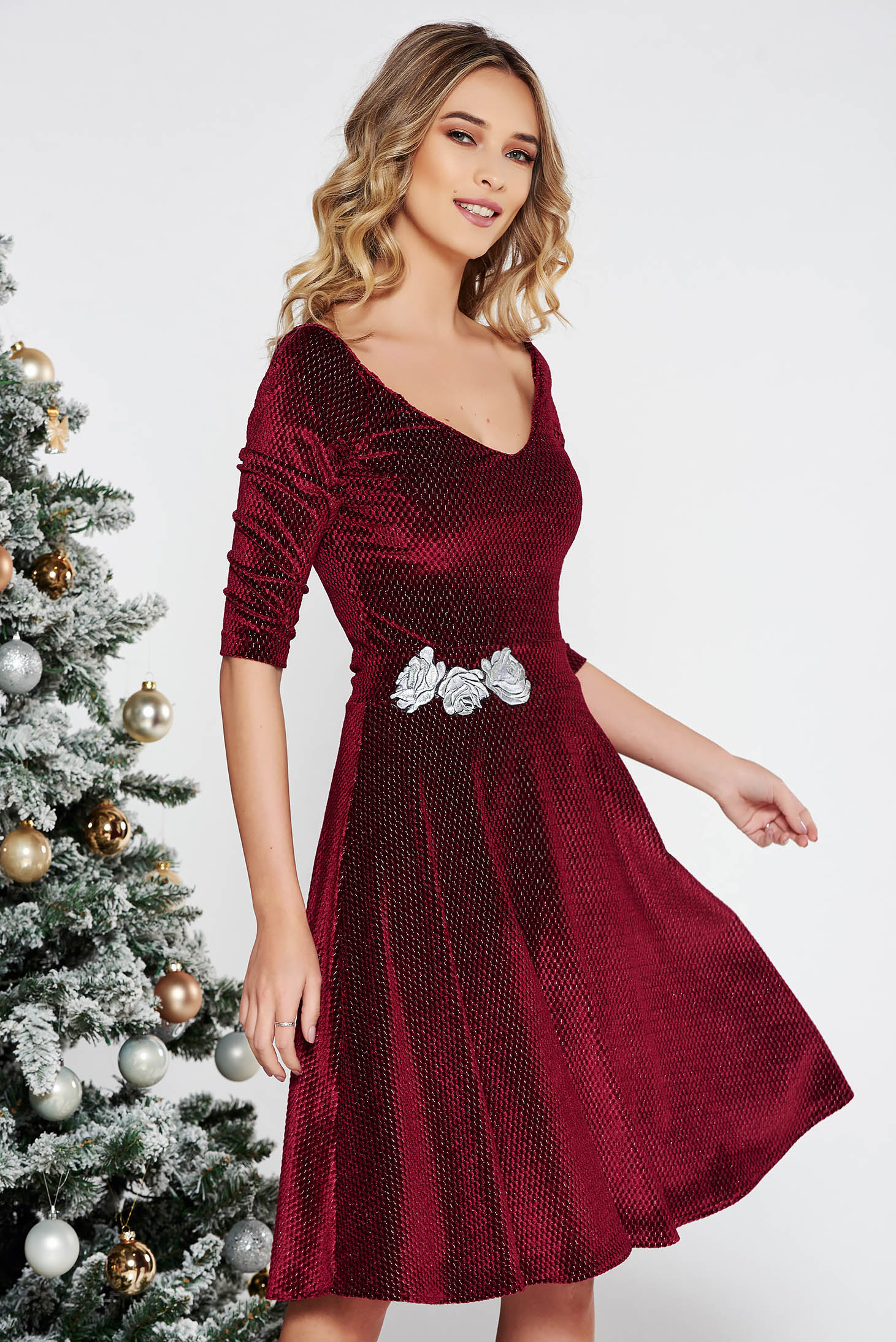 92869c2223 Burgundy StarShinerS alkalmi hímzett bársony harang ruha lamé szál belső  béléssel v-dekoltázzsal
