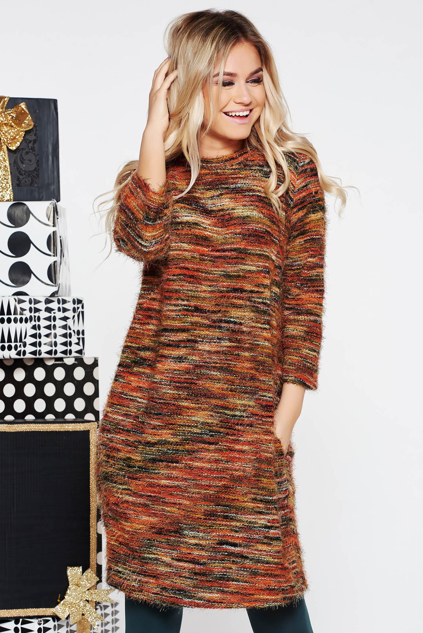 Rochie caramizie casual cu croi larg din material tricotat cu buzunare