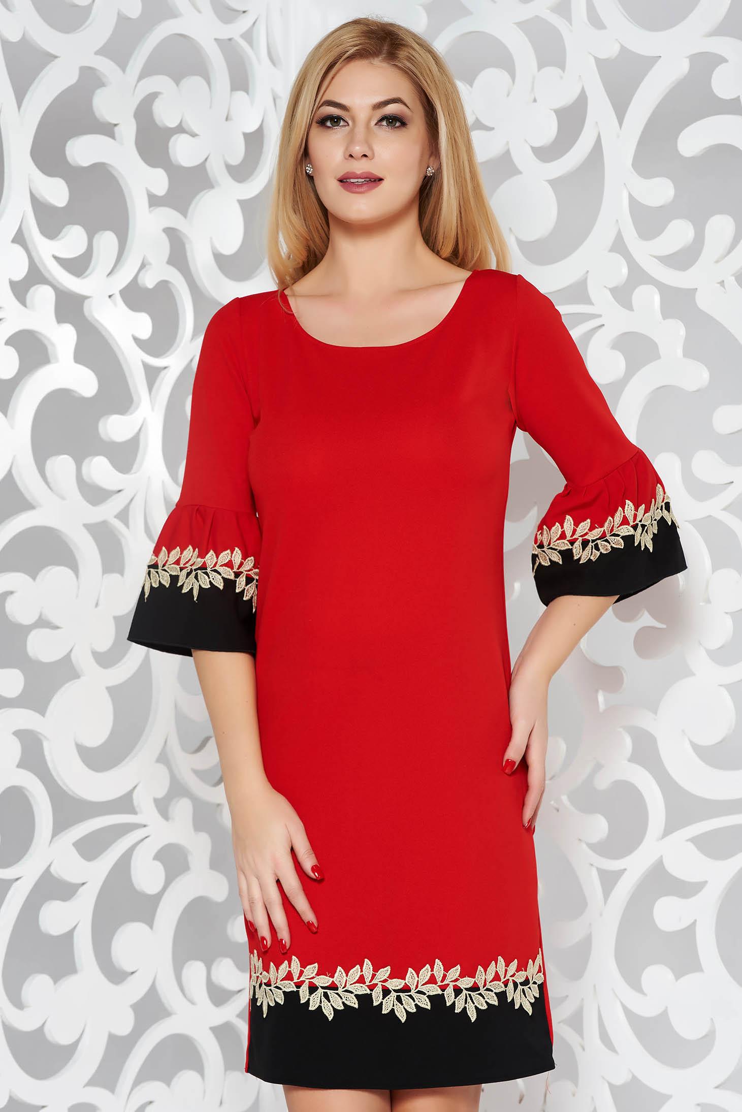 Rochie rosie eleganta cu un croi drept cu maneci clopot cu aplicatii de dantela din material elastic