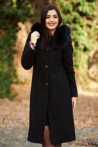 Black elegant wool coat straight cut with inside lining with pockets fur collar