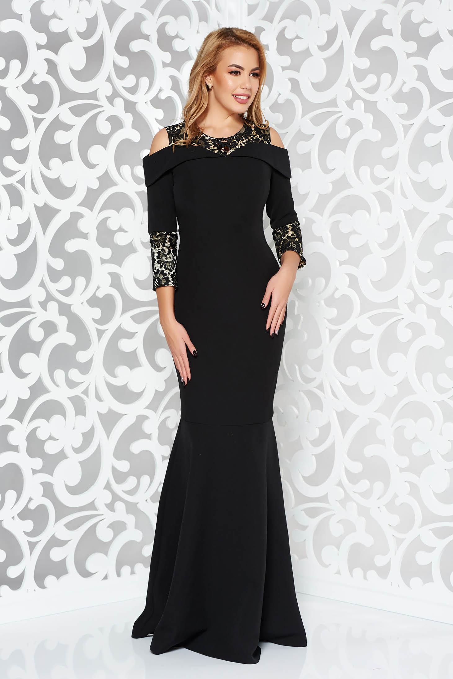 429d560b1a Fekete alkalmi szirén tipusú ruha enyhén elasztikus szövet csipke  díszítéssel