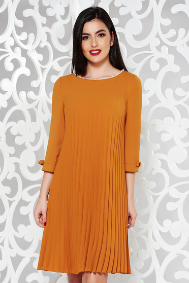 Mustard dress elegant flared from non elastic fabric folded up with pearls