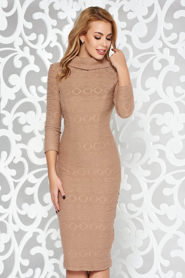 Cream daily pencil dress from elastic fabric with inside lining with 3/4 sleeves