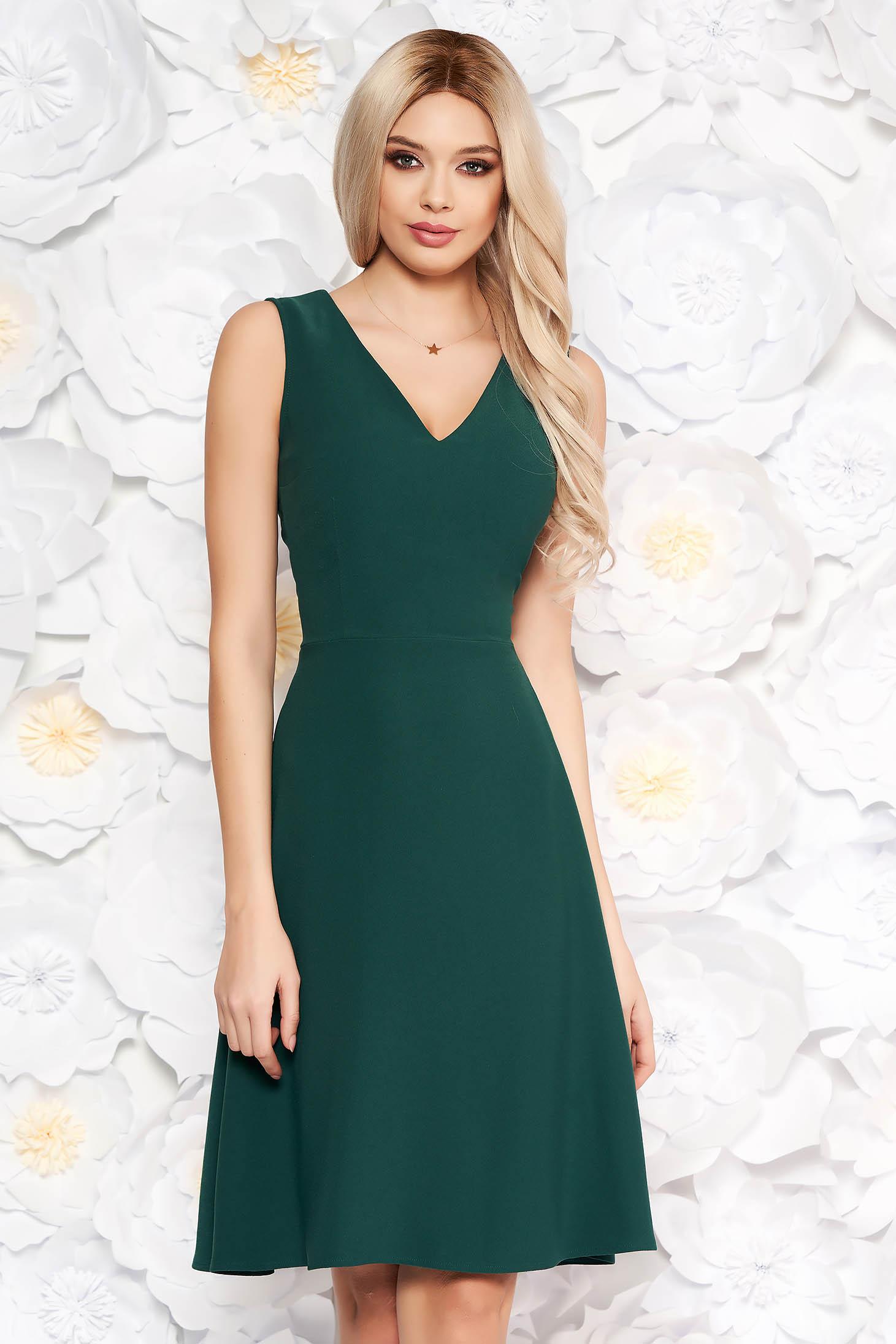 Zöld elegáns harang ujjatlan ruha dekoltált enyhén rugalmas anyag