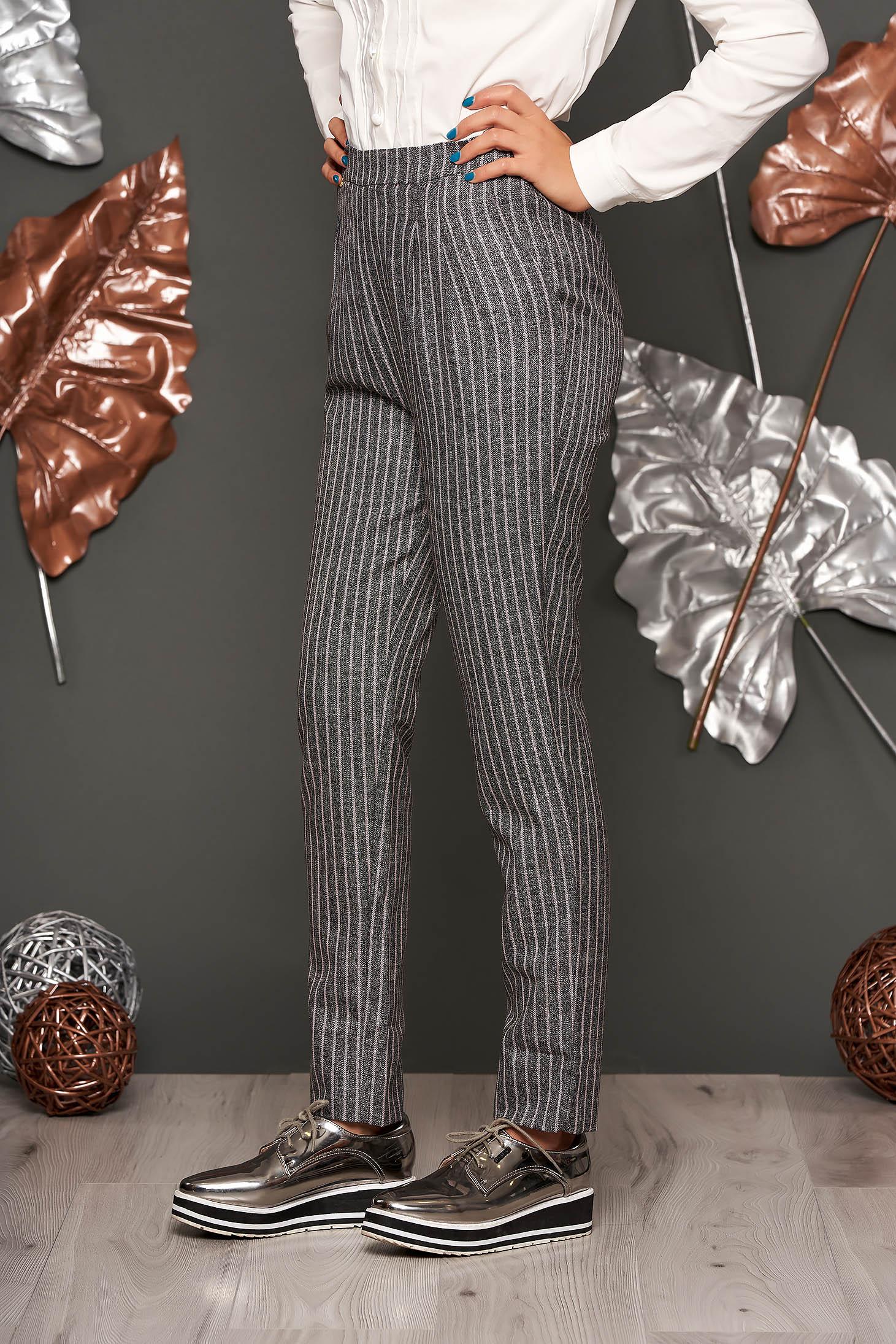Pantaloni Fofy roz deschis office conici cu talie inalta din stofa neelastica cu buzunare