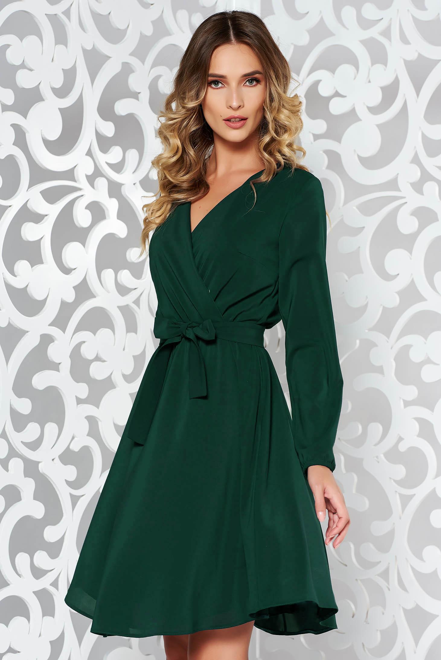 ad10696fdb Zöld StarShinerS elegáns harang ruha fátyol derékban rugalmas övvel ellátva  belső béléssel