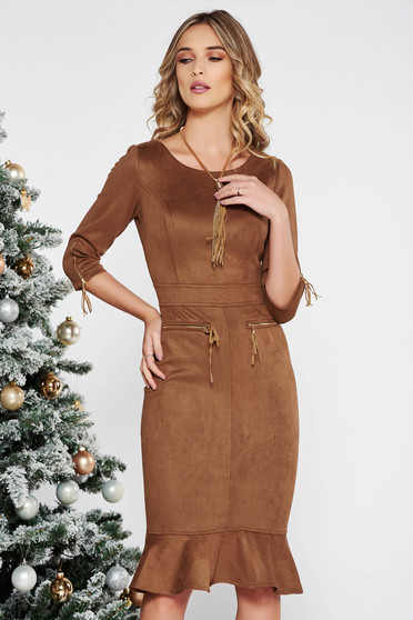 Fofy brown daily midi dress from velvet fabric with tented cut zipper accessory