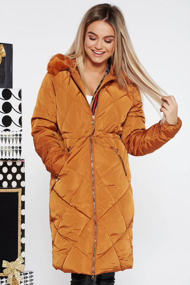Bricky casual from slicker jacket with inside lining with faux fur accessory