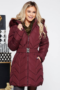 Burgundy casual jacket from slicker with inside lining accessorized with belt with faux fur accessory