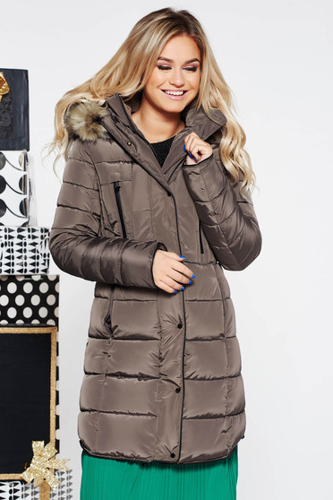 Brown casual jacket from slicker with inside lining with undetachable hood with faux fur accessory