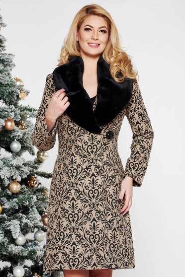LaDonna cream elegant coat from wool arched cut with inside lining raised pattern