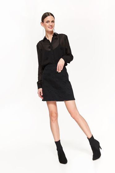 Top Secret black cotton skirt with medium waist flaring cut with embroidery details