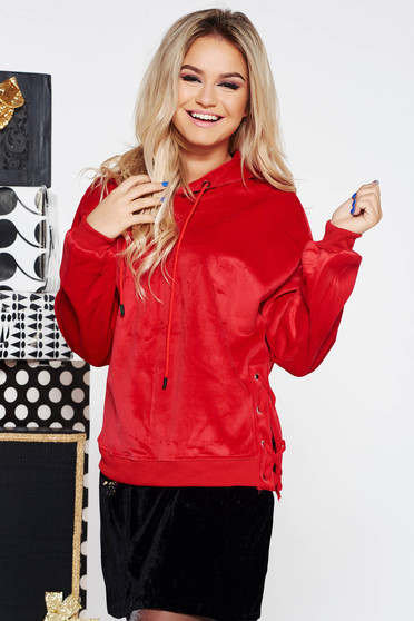 SunShine red casual coat from velvet fabric with easy cut with laced details with undetachable hood