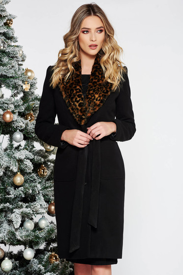 Black elegant wool coat arched cut with inside lining with faux fur accessory with pockets