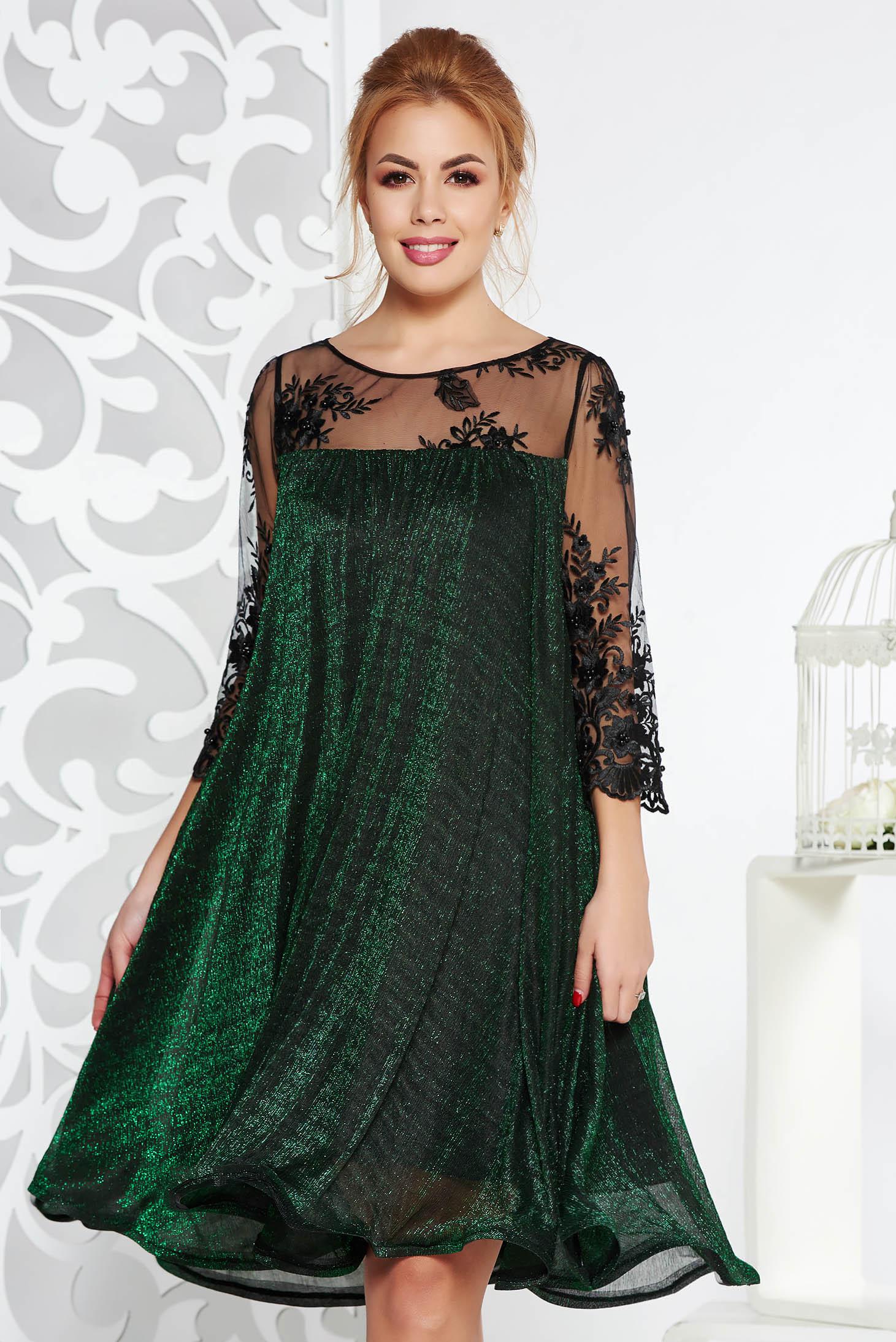 Rochie Artista verde de ocazie cu croi larg din material subtire cu fir lame captusita pe interior cu maneci din dantela