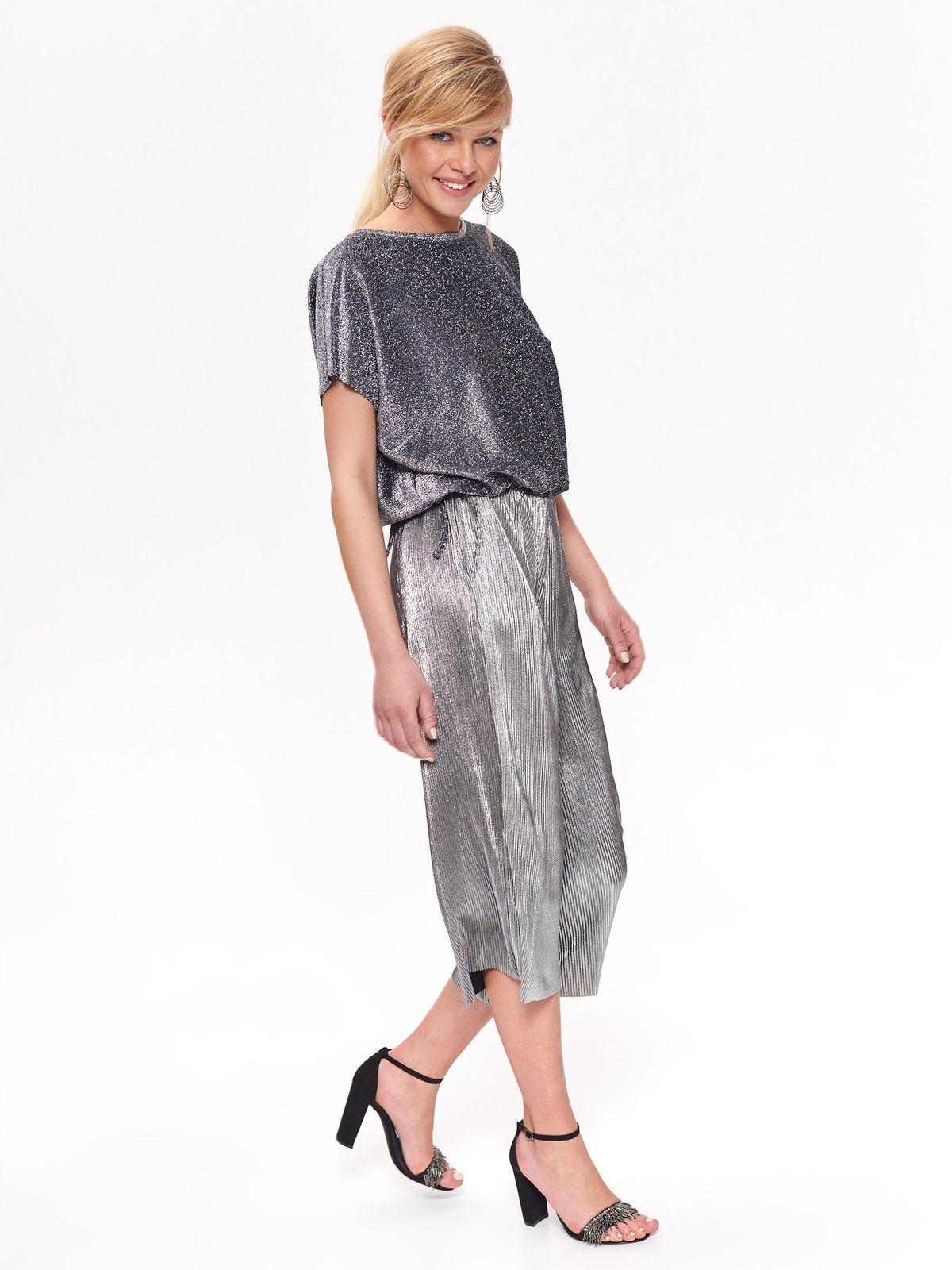 Pantaloni Top Secret argintii eleganti cu croi larg din material subtire plisat cu aspect metalic