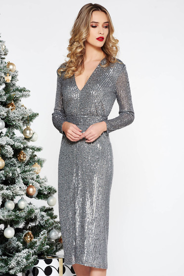 Ana Radu grey dress with v-neckline accessorized with tied waistband luxurious with sequins with straight cut