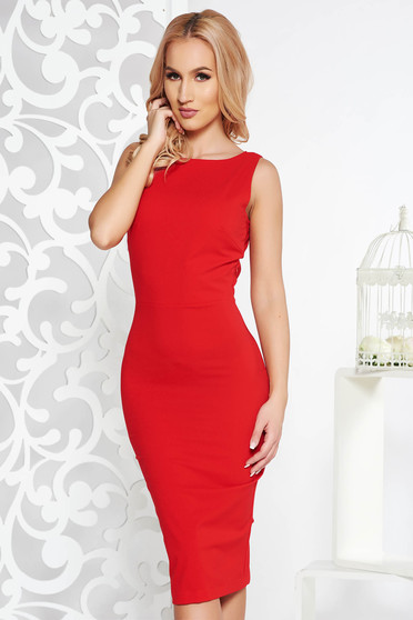 PrettyGirl red occasional midi pencil dress slightly elastic fabric accessorized with breastpin