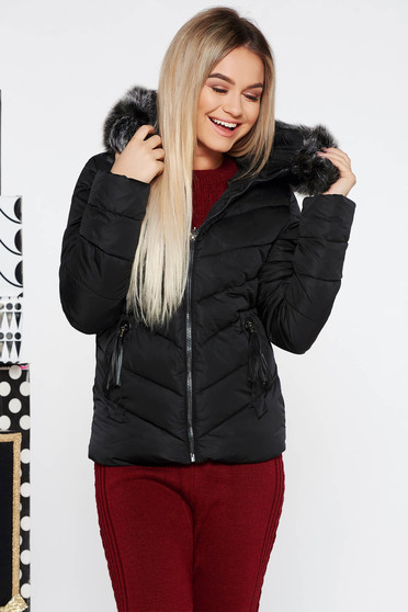 SunShine black short cut jacket from slicker with inside lining with pockets