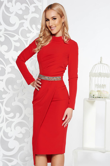 Red occasional pencil dress from non elastic fabric with inside lining accessorized with tied waistband