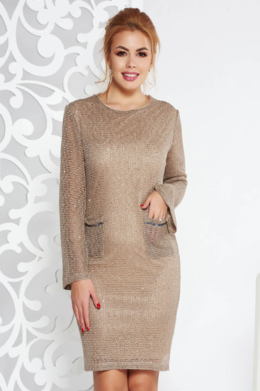 Fofy cream elegant dress with straight cut knitted fabric with inside lining with sequin embellished details