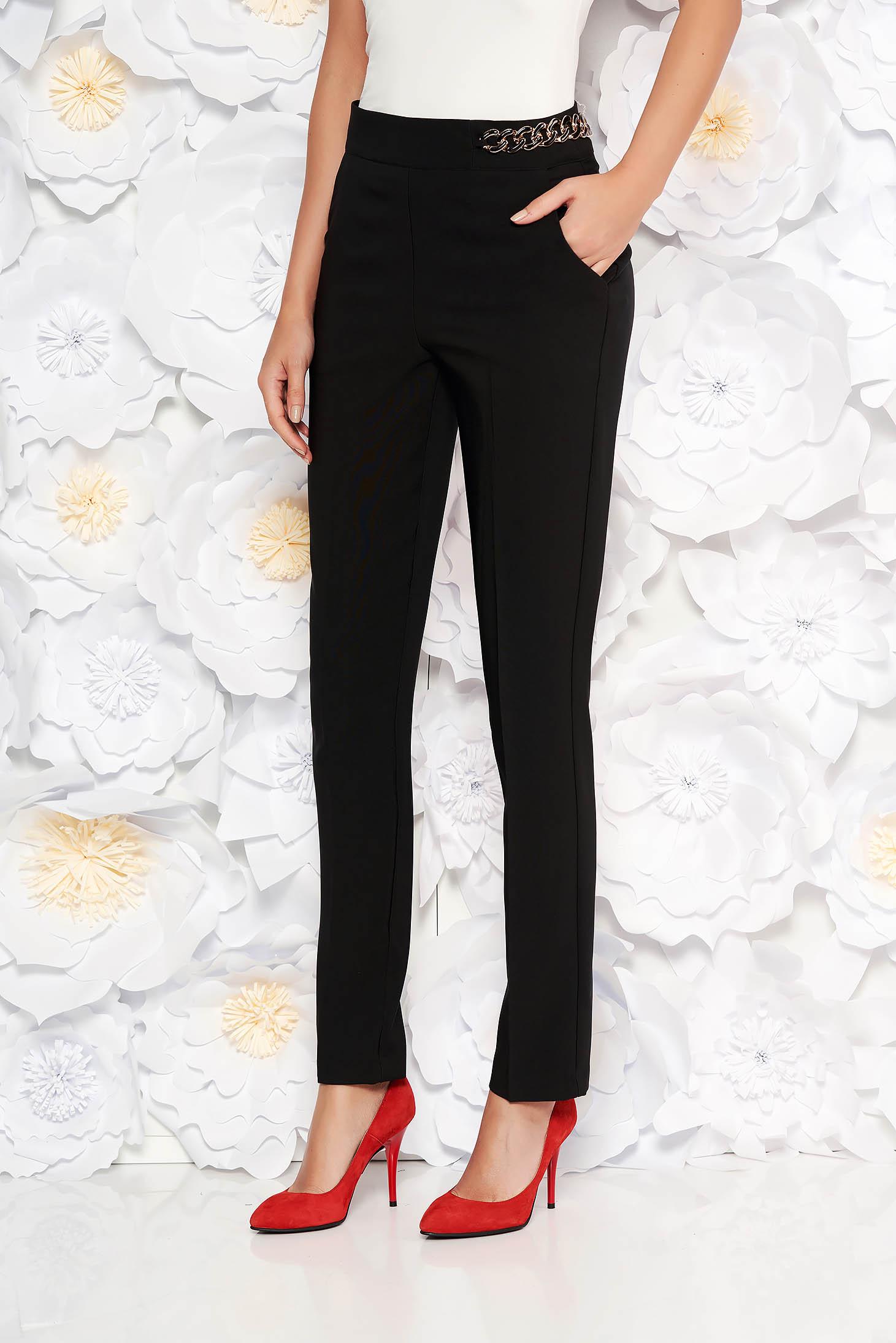 Pantaloni PrettyGirl negri eleganti conici cu talie inalta din stofa usor elastica accesorizat cu lant metalic