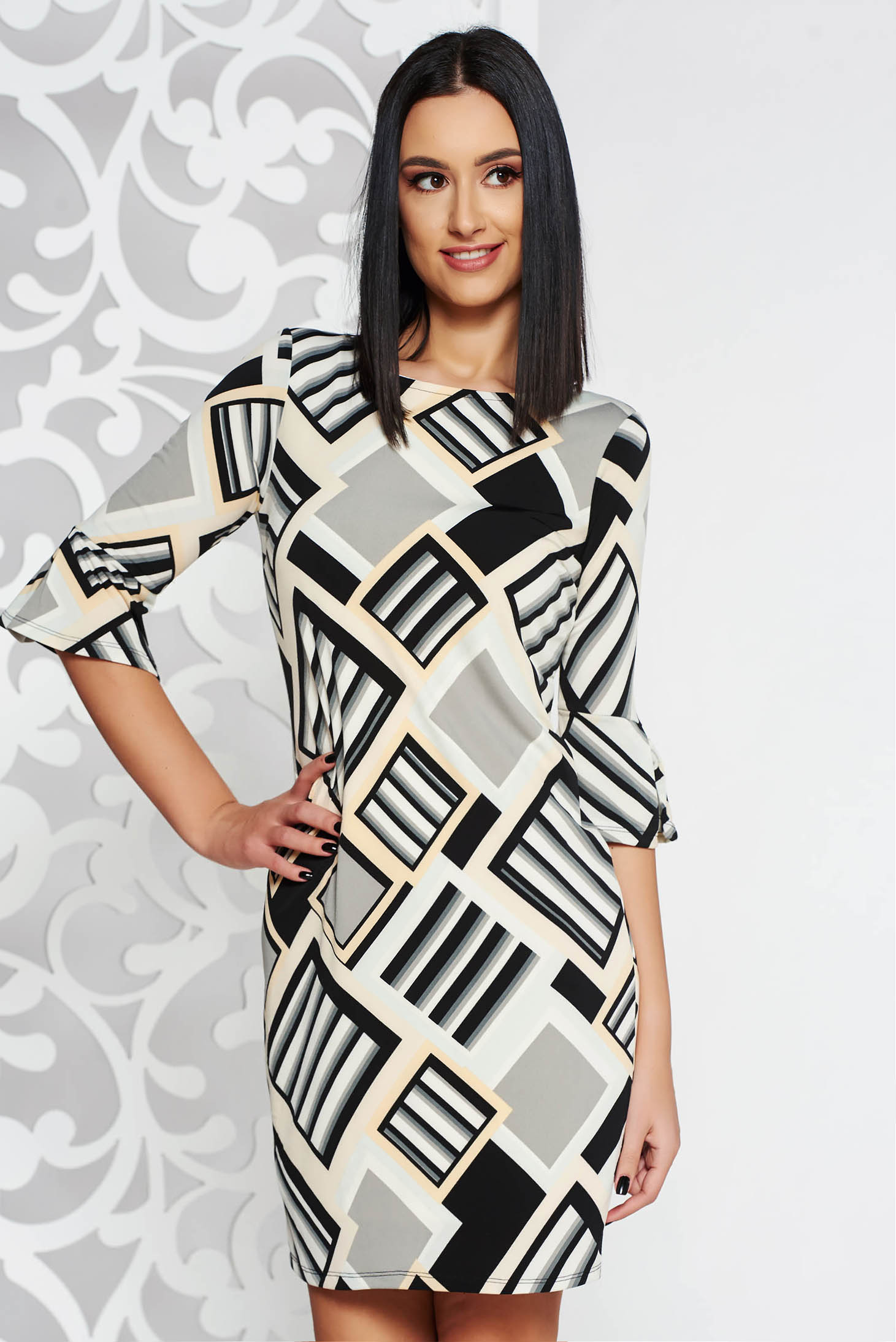 StarShinerS grey short cut dress with tented cut with 3/4 sleeves thin fabric with geometrical print
