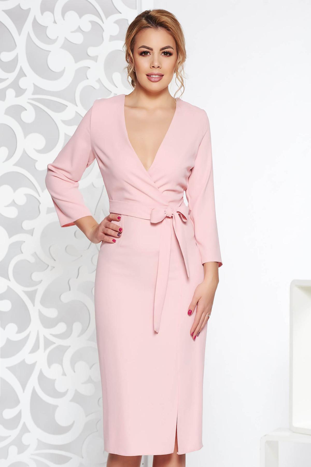 Rochie StarShinerS rosa eleganta cu decolteu in v din material neelastic accesorizata cu cordon