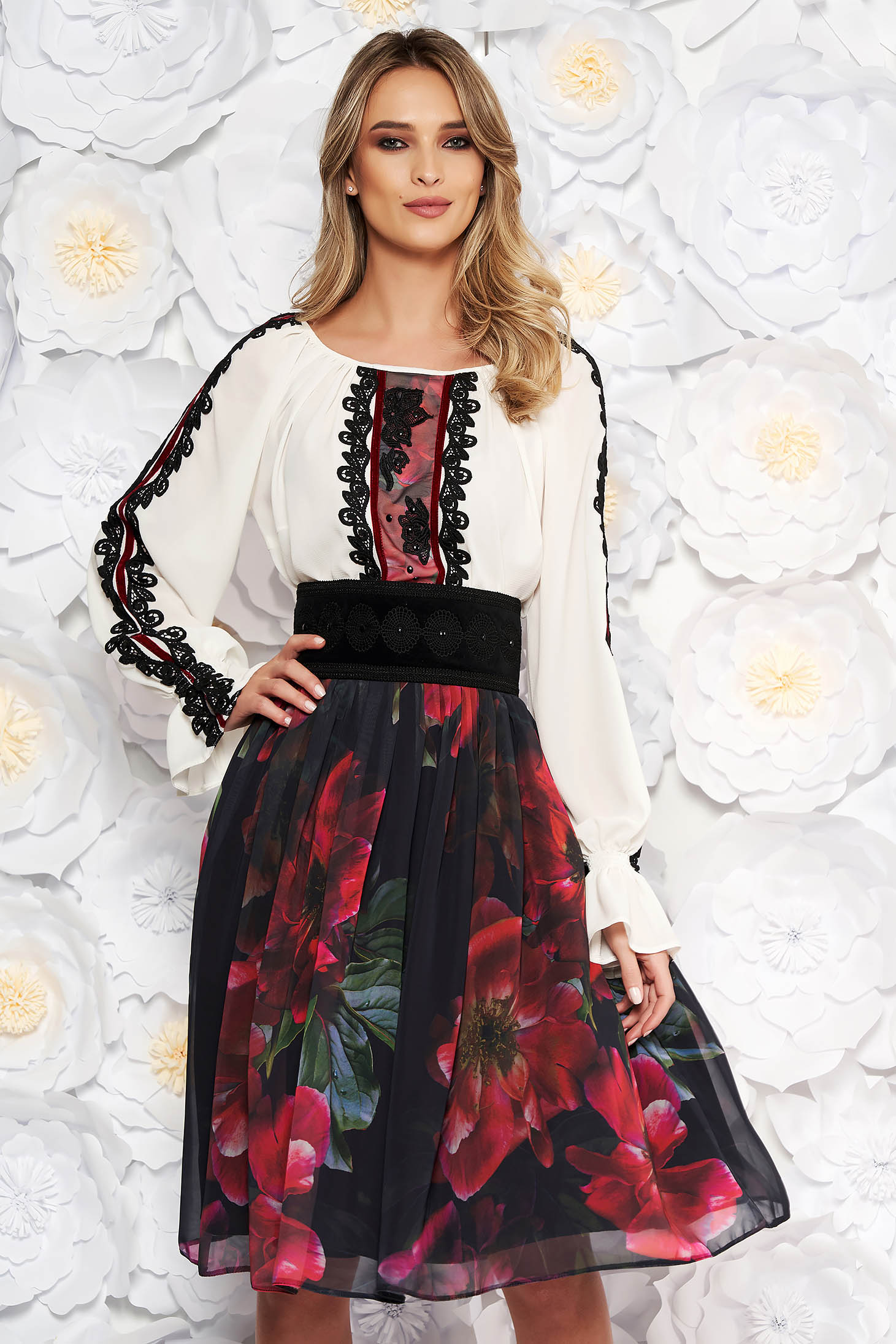 LaDonna black elegant lady set from 2 pieces with lace details accessorized with tied waistband
