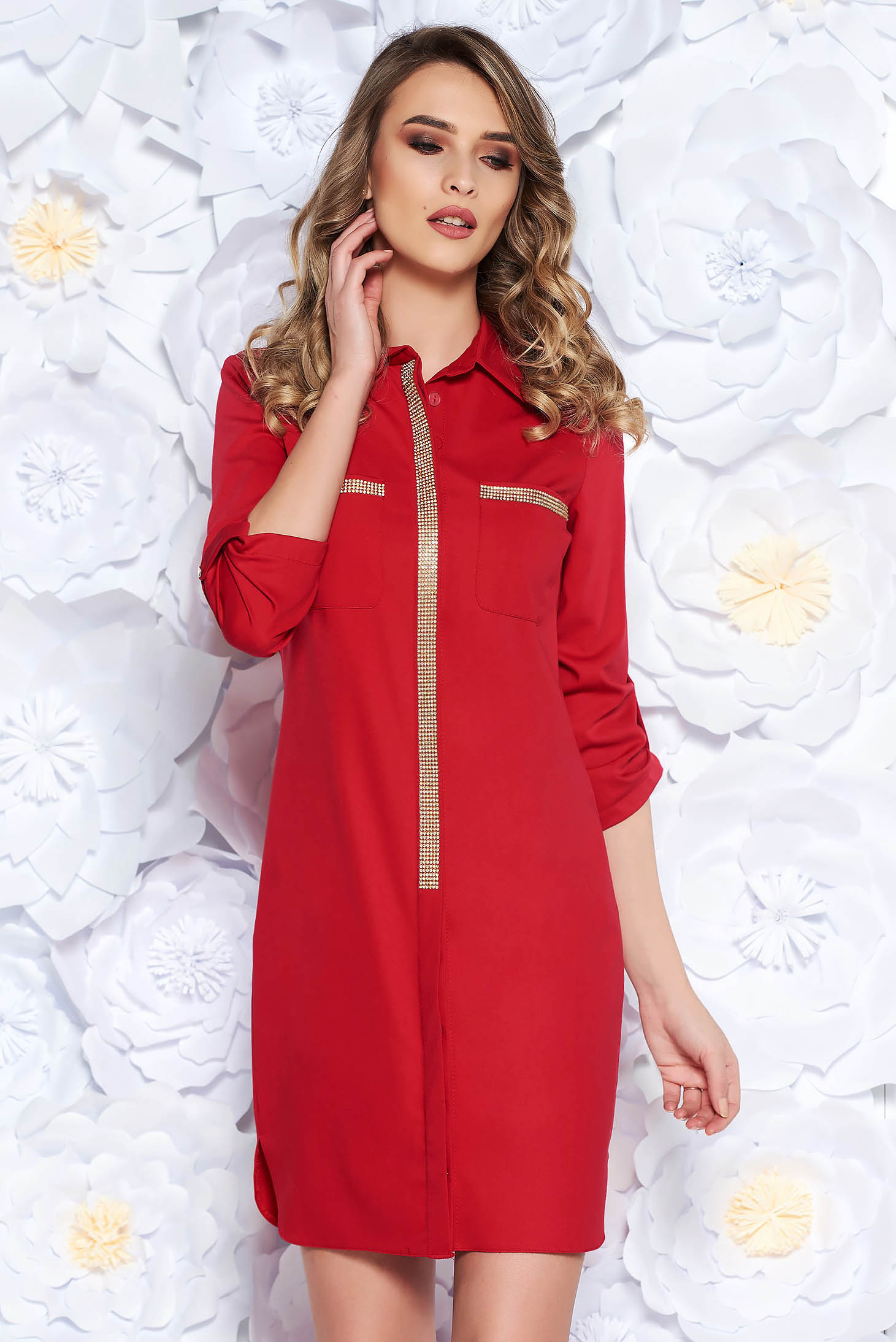 Rochie rosie casual cu croi larg din material usor elastic cu aplicatii stralucitoare