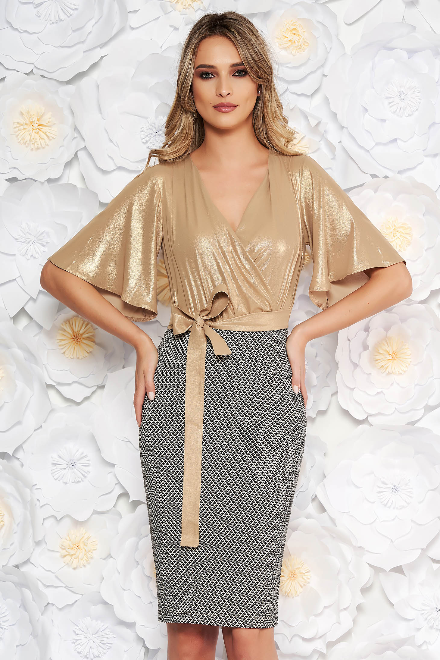 StarShinerS gold occasional pencil dress from shiny fabric accessorized with tied waistband