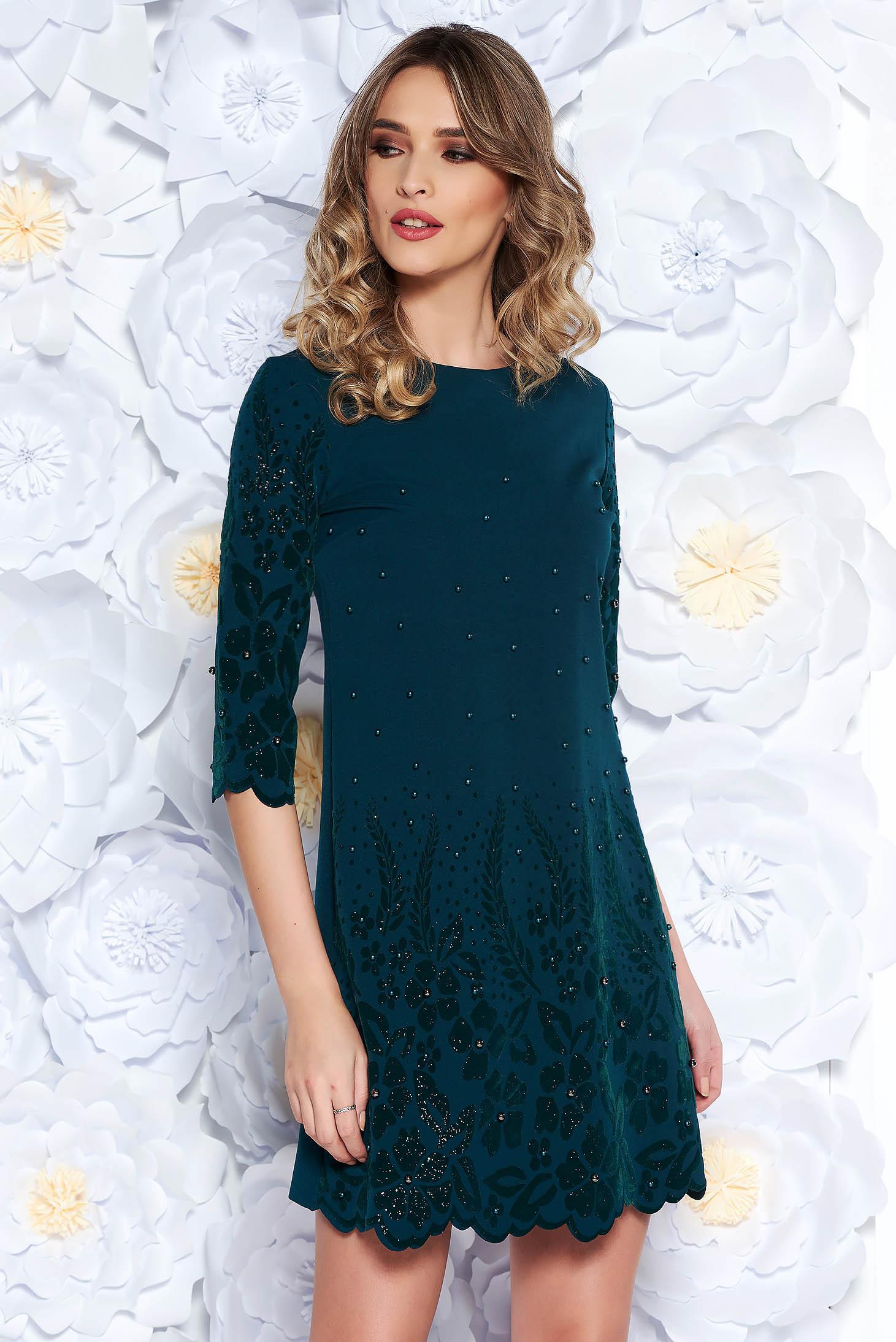 Rochie verde-inchis eleganta cu un croi drept din stofa usor elastica cu aplicatii cu perle