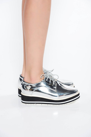 Silver shoes casual from ecological varnished leather low heel