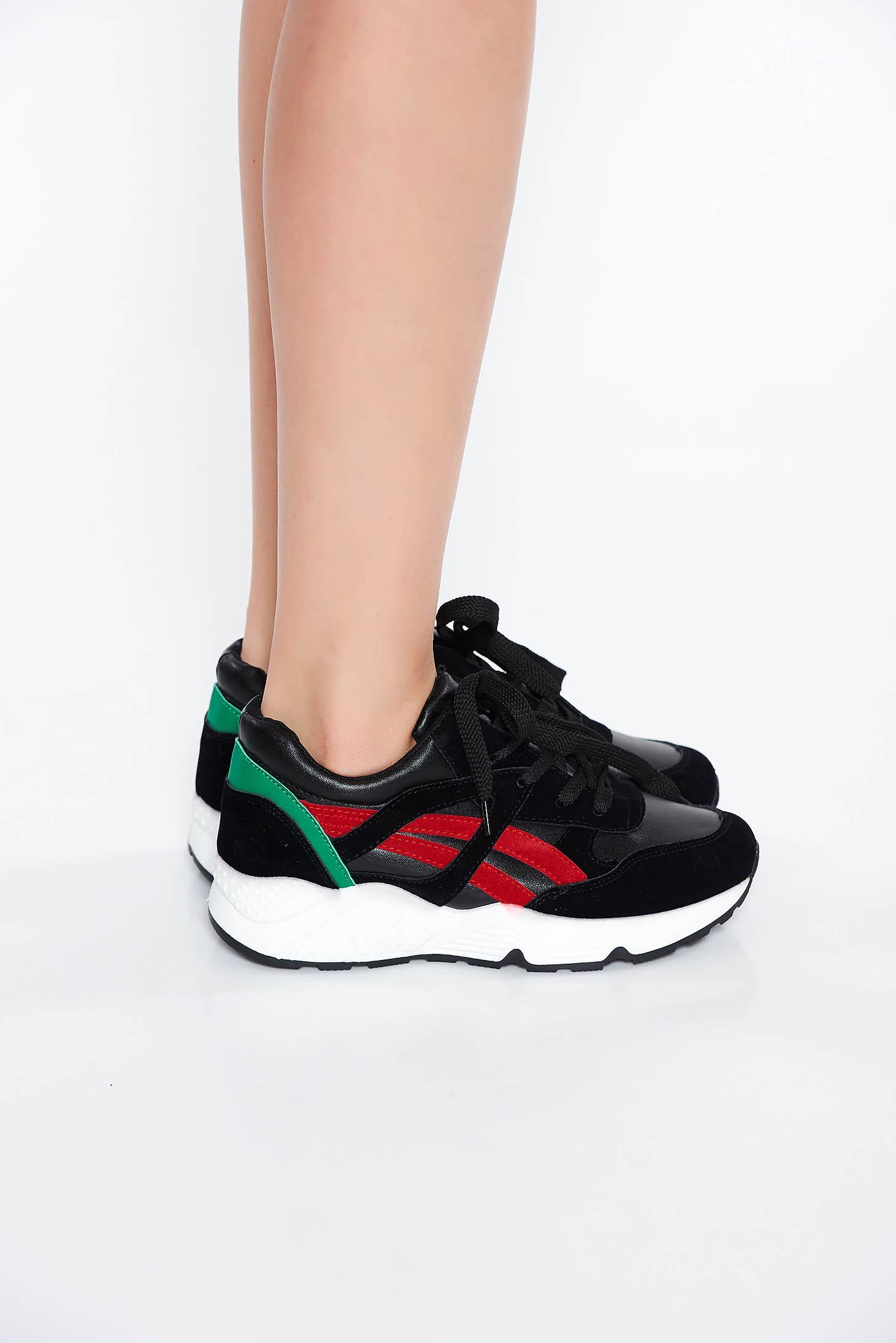 Fekete casual lapos talpú sport cipő fűzővel köthető meg 0ce3f702a6
